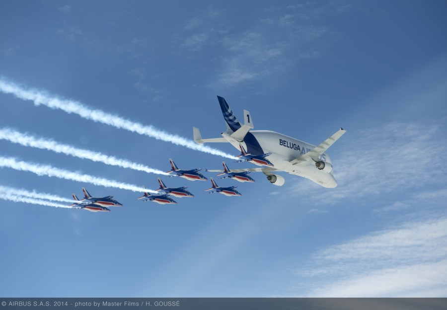 Airbus_Beluga_-_patrouille_de_France_1