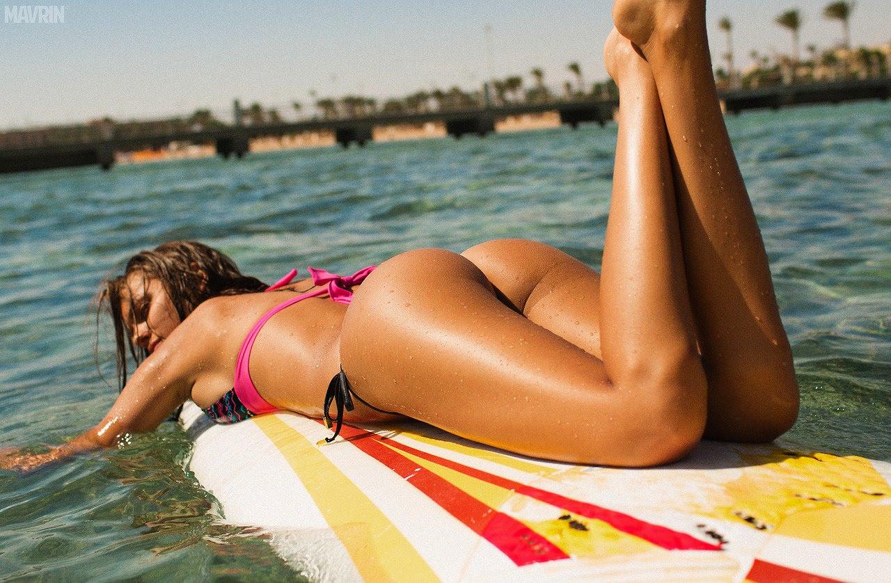 Развлечения голых девочек на курортах 10 фотография