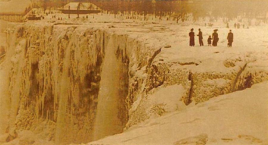 замерзший водопад.jpg