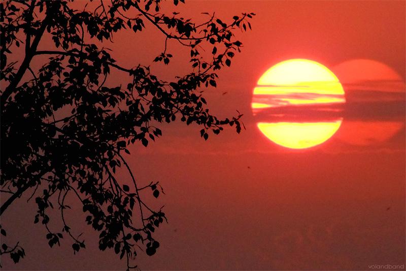 Красный закат жаркого лета 2010