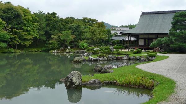 6-пруд возле Бамбукового леса Сагано в Японии