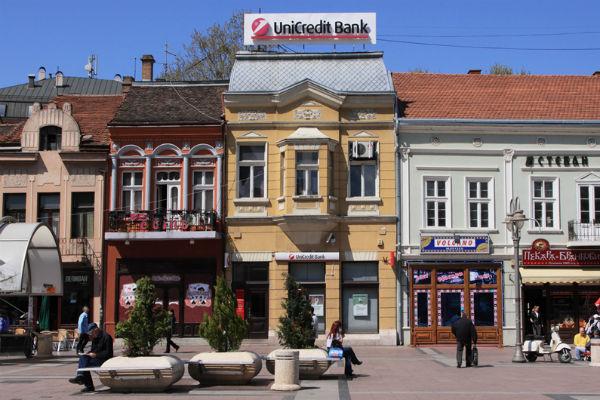 zgrade na trgu kralja milana