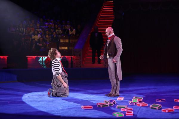 жонглирование кубиками