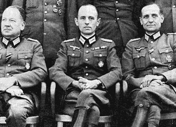 """Résultat de recherche d'images pour """"ОУН-овские сотрудники Гитлера"""""""