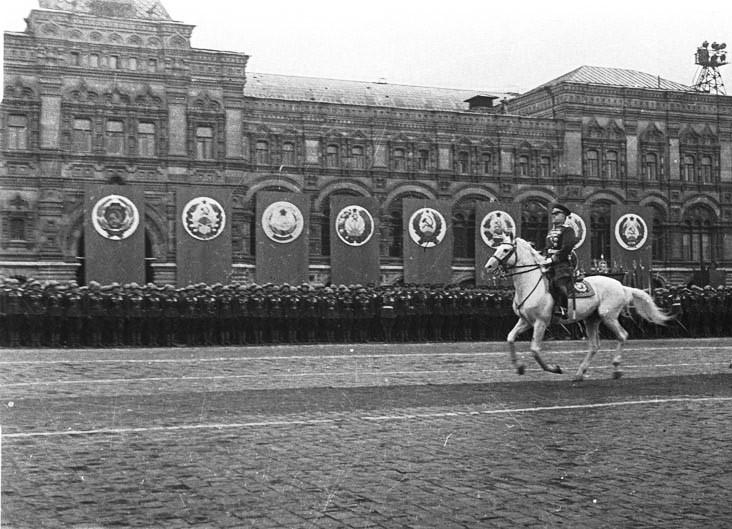 Фото Евгения Ананьевича Халдея. 1945 г.