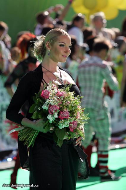 Анастасия Волочкова изощренно поиздевалась над Ксенией Собчак