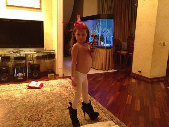 Анастасия Волочкова вновь опубликовала скандальное фото дочери