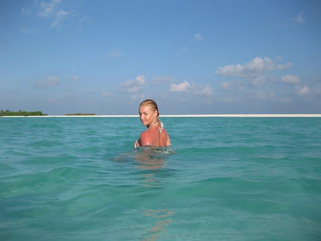 Анастасия волочкова снова разделась на Мальдивах