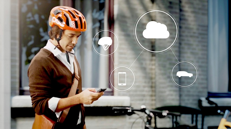 155680_World_first_technology_by_Volvo_and_POC_connects_cycle_helmets_with_cars