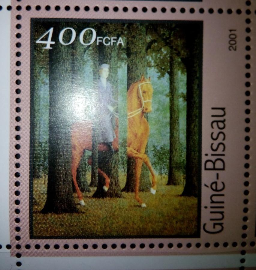 Гвинея-Бисау 2001г.,  на малом листе «Картины Рене Магритт» на марке номиналом — 400 fr Михель №1689, репродукция с картины  «Пустая подпись»