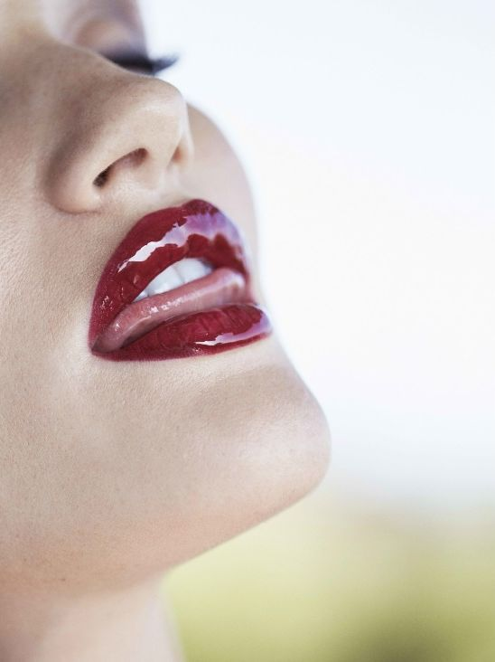 Рассел Джеймс Красные губы Рози , 2014