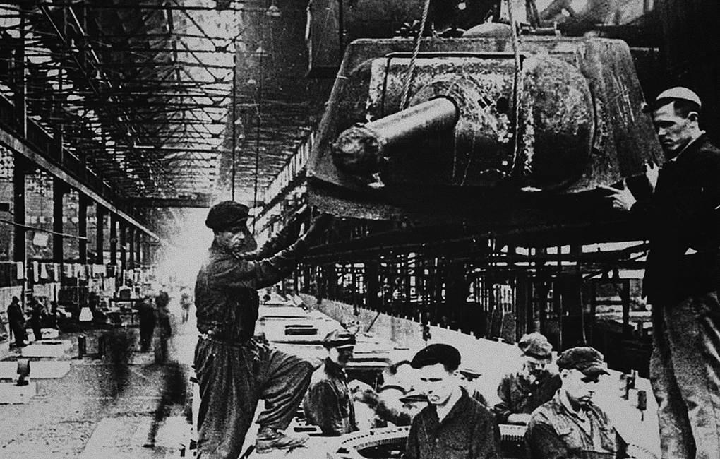 Производство Т-34 в Челябинске© Fine Art Images/Heritage Images/Getty Images