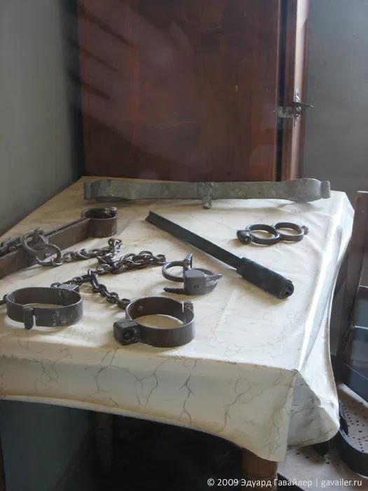 Допрос до признания, как его называли эсэсовцы, был повседневностью в этой самой страшной камере пыток лагеря.