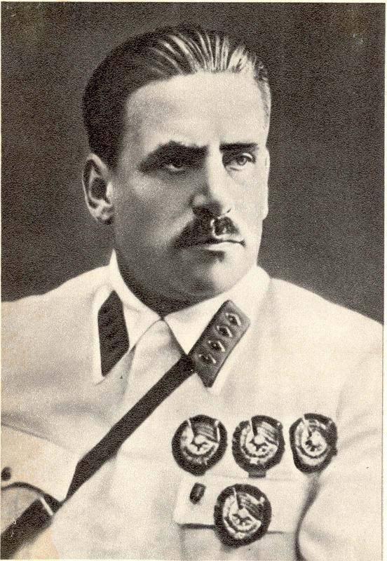Маршал Блюхер В. К. Был первым в стране кавалером пяти орденов Красного Знамени (1989-1938)