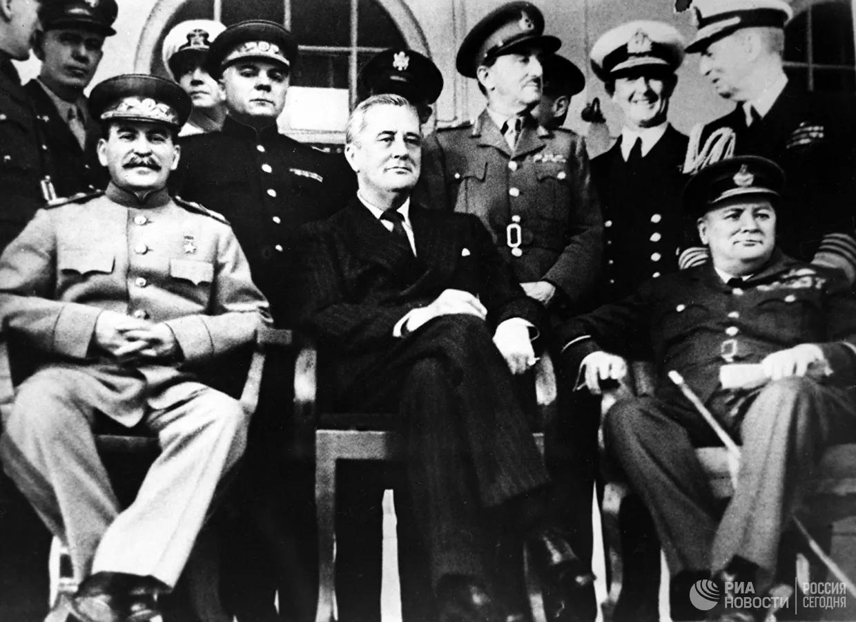 День Объединенных Наций (14 июня) на марках 1943-1944 г.г.