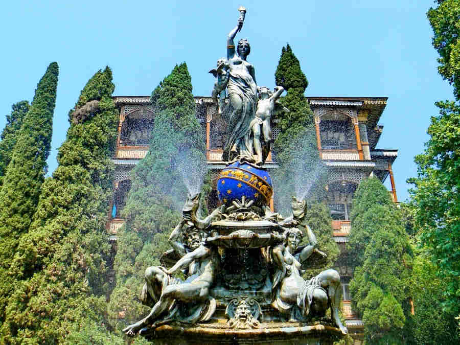 фонтаны в Гурзуфе