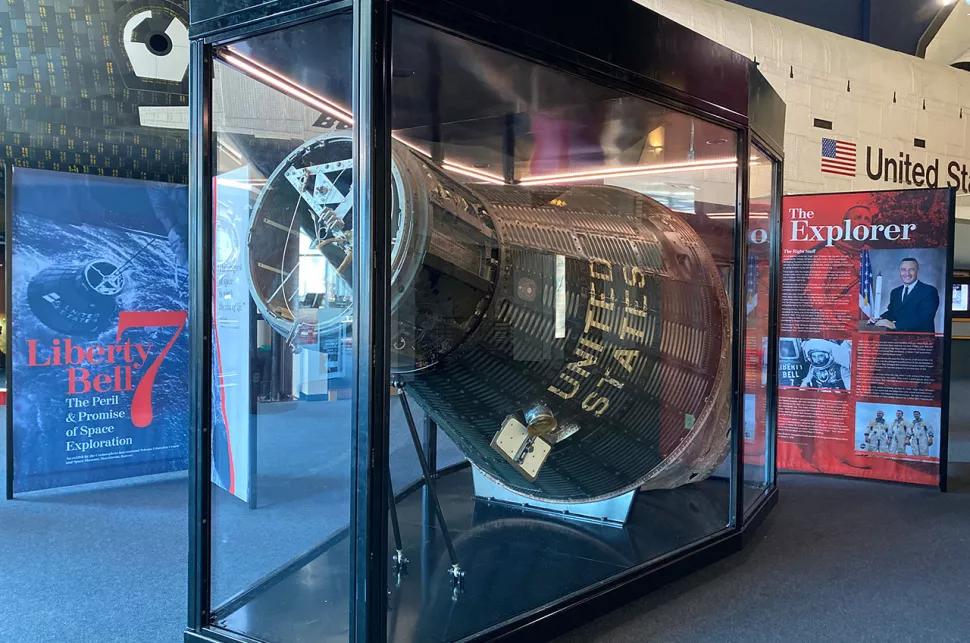 капсула Меркурия Liberty Bell 7 на экспозиции музея Канзасского центра космоса (Kansas Cosmosphere and Space Center)