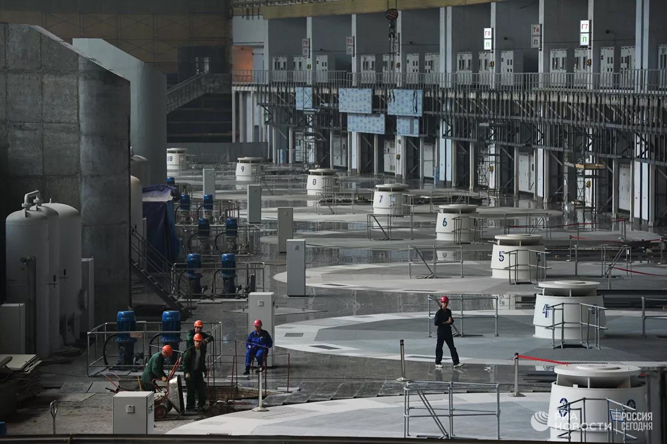 Машинный зал Саяно-Шушенской ГЭС © РИА Новости / Александр Кряжев