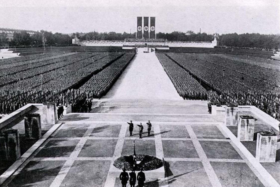 Митинг в Нюрнберге фото через Wikimedia Commons