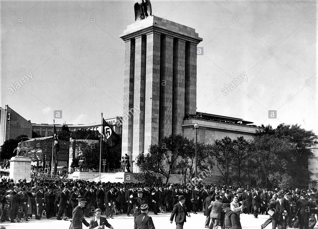 Немецкий павильон на Всемирной выставке в Париже 1937 г.
