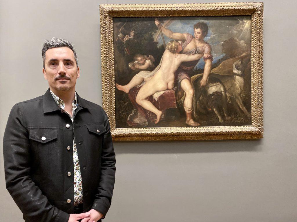 Кент Монкмен с Венерой и Адонисом Тициана (1550-е гг.) В Музее искусств Метрополитен. Фото Сары Касконе.