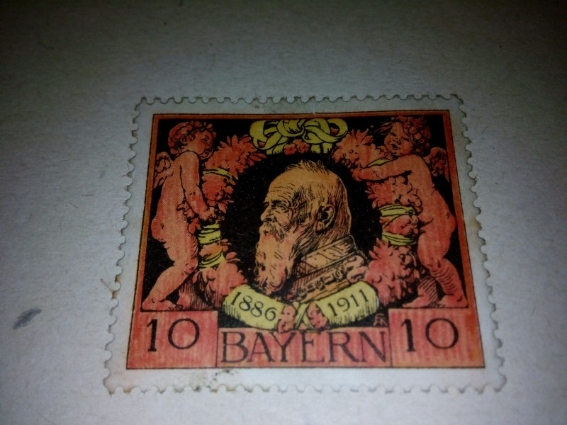 Баварская марка # SG.149а, представленная ниже , была выпущена 10 июня 1911 года в ознаменование Годовщины 25 из регентства принца - регента