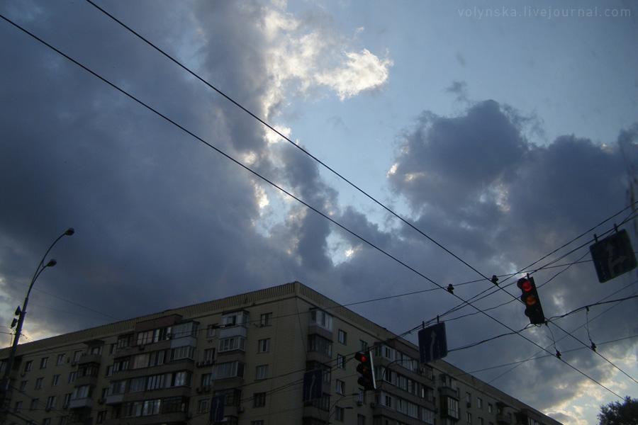 Небо над бульваром.