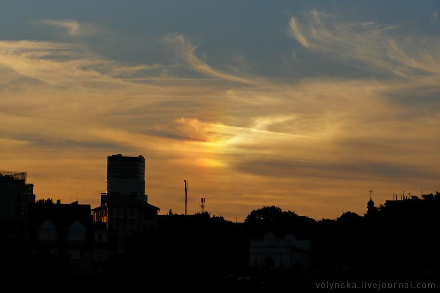 Паргелий в небе над Киевом. 20 августа 2016.