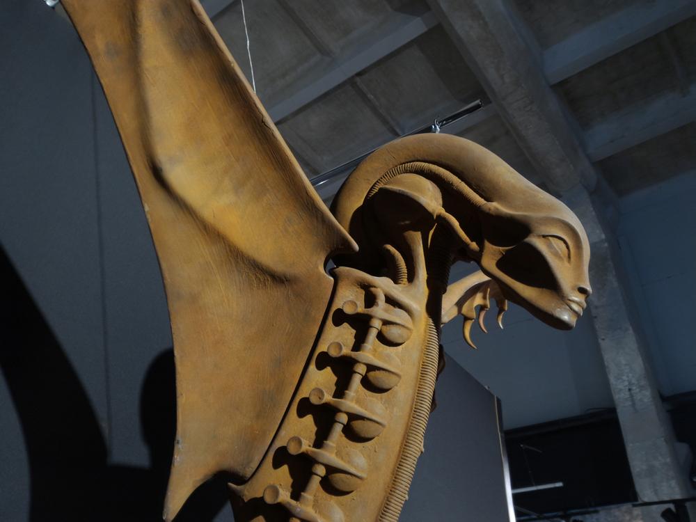 Ганс Гигер. «Ангел-хранитель» (Кармен). 2002 г. Выставка в Киеве.