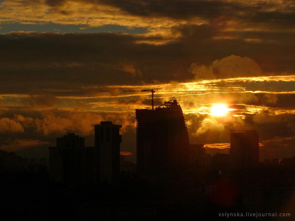 Закат после грозы. Киев, Печерск.