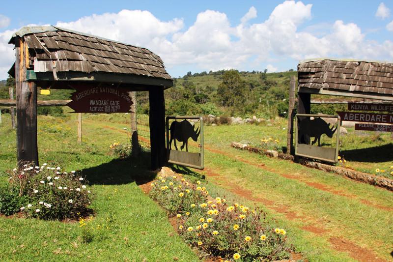 Въезд в Национальный парк Абердэр. Кения, Африка.