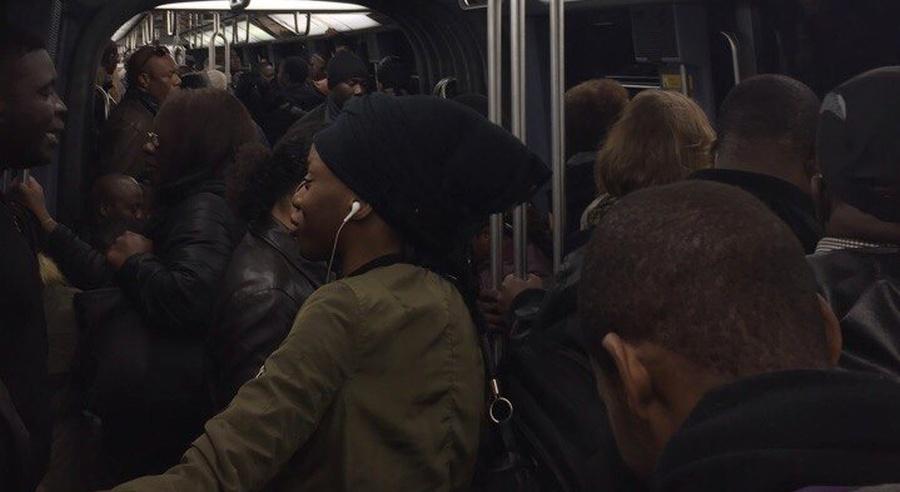Парижское метро в час пик