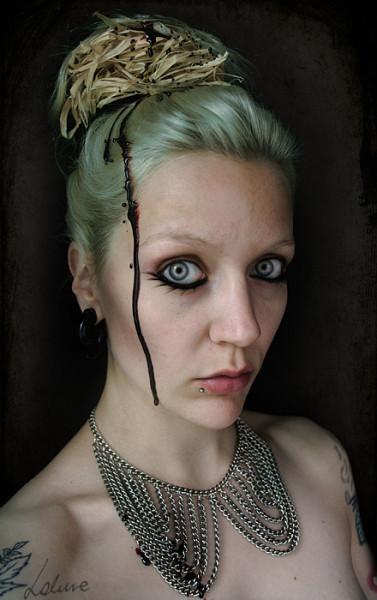 060-creepy-portraits-lakune