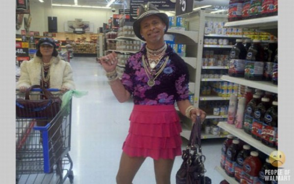 1315317764_what_you_can_see_in_walmart_01