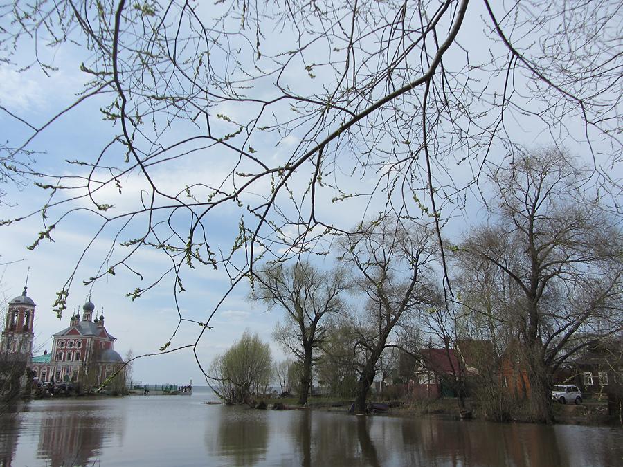 Церковь Сорока Мучеников Севастийских. Устье. Озеро