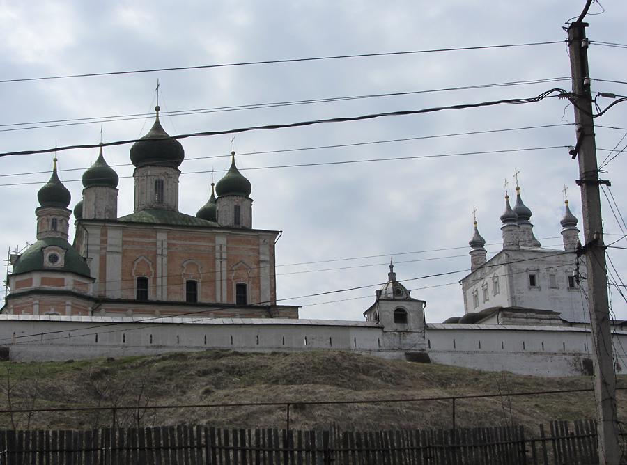 Вид на музей-заповедник с ул. Подгорной