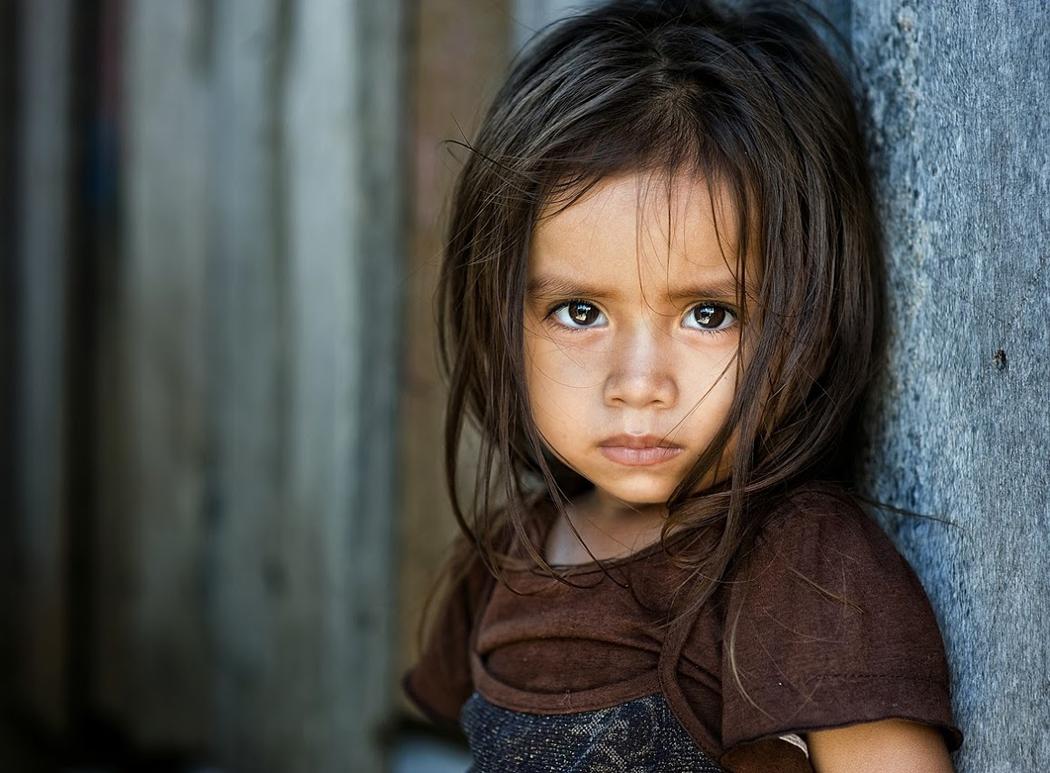la piccolina dallo sguardo triste , by Yaman Ibrahim