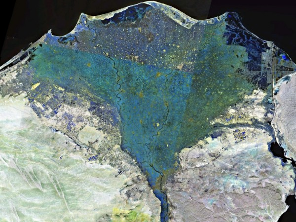 Nile_delta_landsat_false_color