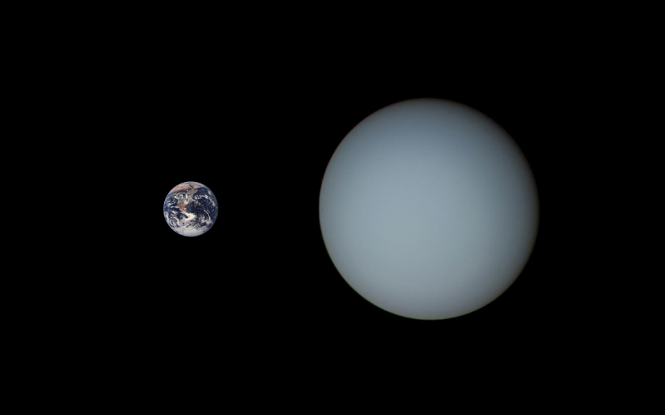 402_Uranus_Earth_Comparison