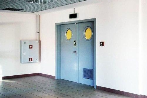 установка металлической противопожарной двери цена москва