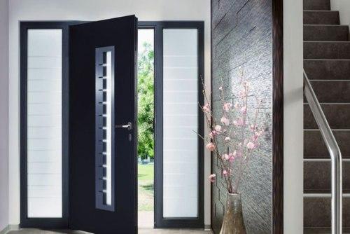 входные широкие двери в квартиру
