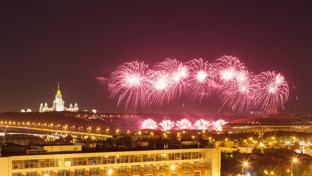 фестиваль фейерверков москва салют мгу университет ночь донцов евгений