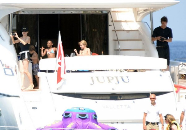 jolie-pitt-malta-honeymoon12