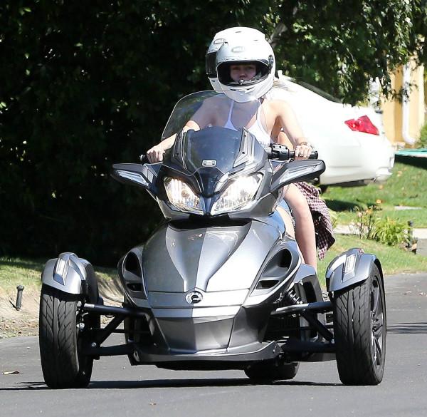 three-wheeled-can-am-los-angeles02