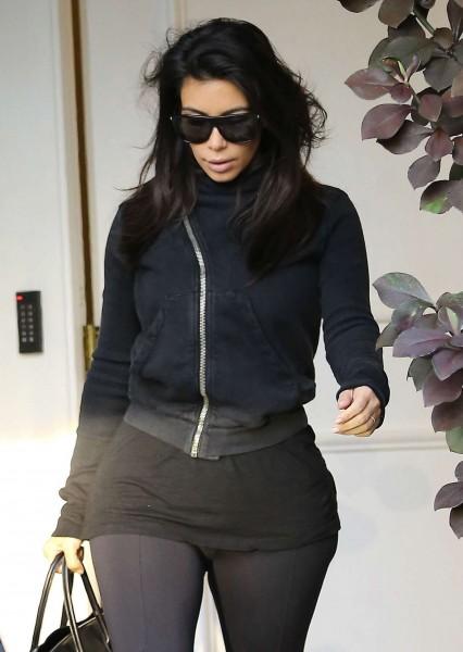 kimkardashian-kanye-leaving-botox-clinic-sep-16-5