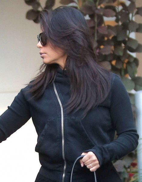 kimkardashian-kanye-leaving-botox-clinic-sep-16-13