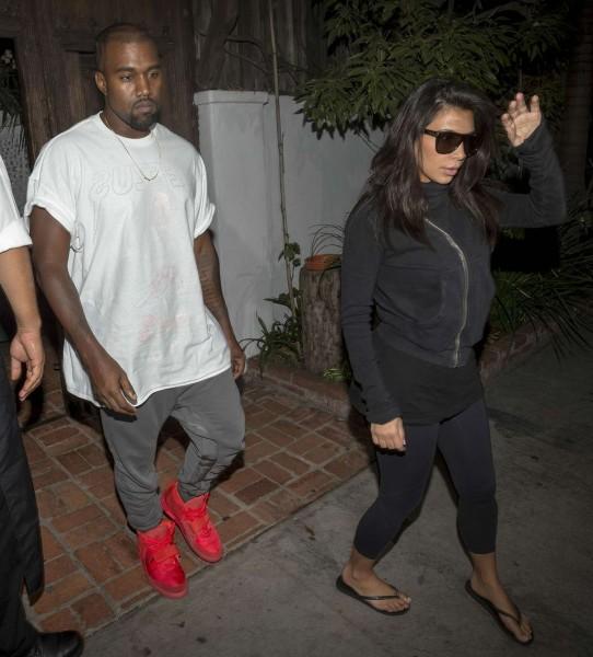 kimkardashian-kanye-leaving-botox-clinic-sep-16-19