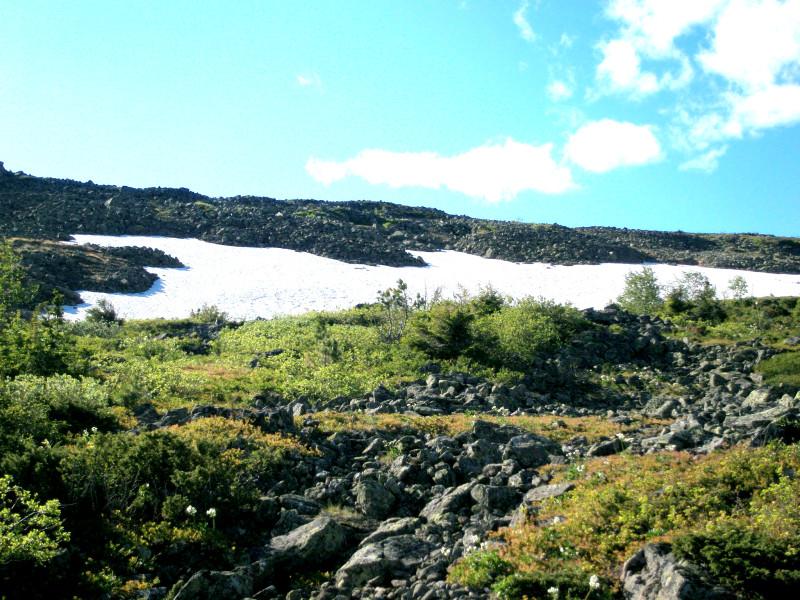 Снег на склонах Конжака
