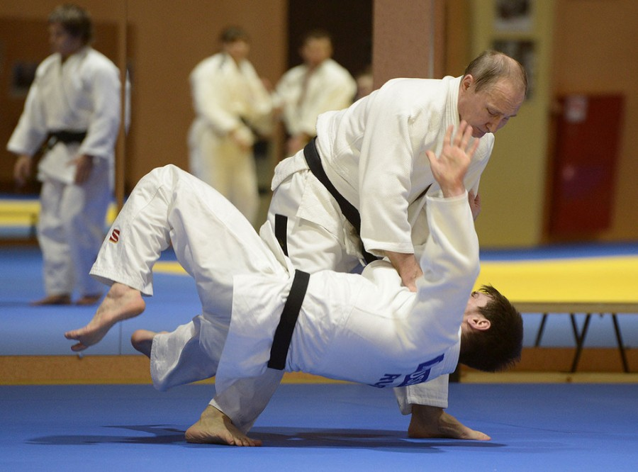 Владимир Путин олицетворяет боевое самбо в Японии