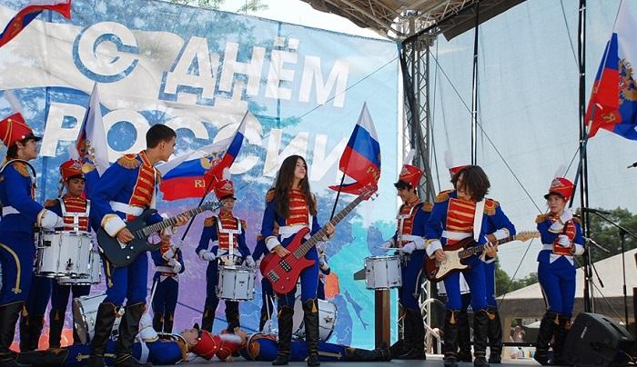 Крым будет отмечать День России пять суток!